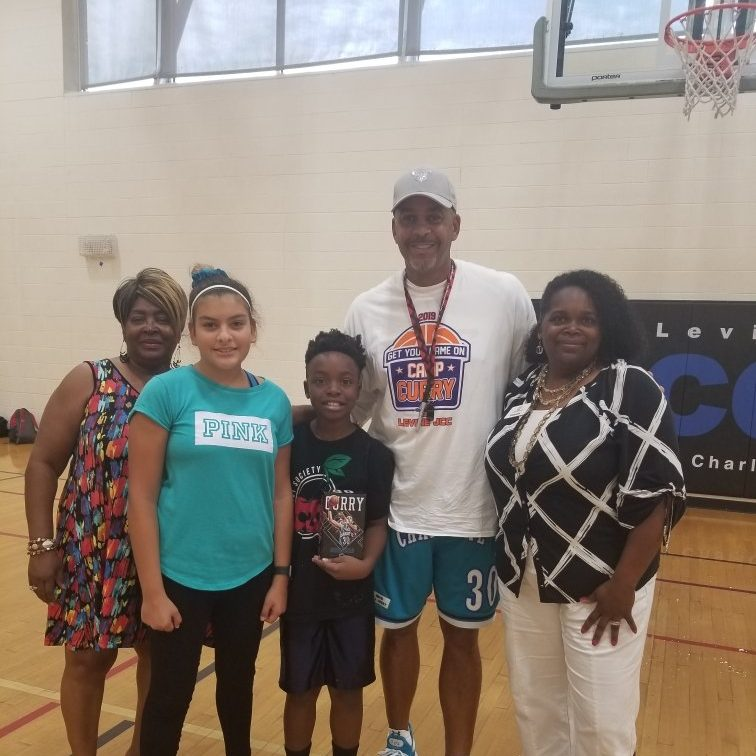 A Dell Curry Basketball Camp Giving Story | SportsEpreneur